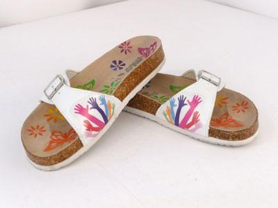 Цветная печать на пляжных тапочках