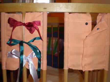 Рамки Монтессори на детской кроватке