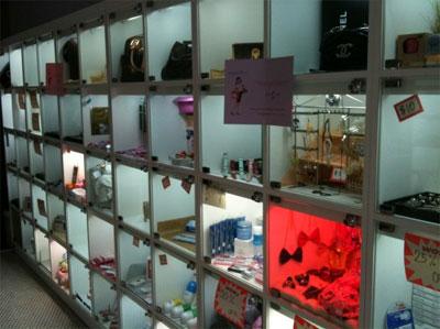 Вид мини-бутиков внутри магазина
