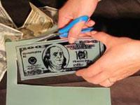 Изготовление денег из пластика