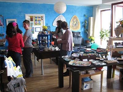 Домашняя вечеринка для продажи рукоделия
