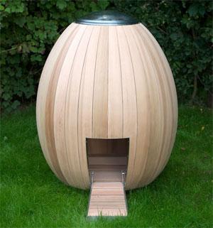 Дизайнерский курятник-яйцо