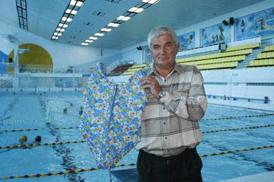 Юрий Клинов и его нетонущий купальник