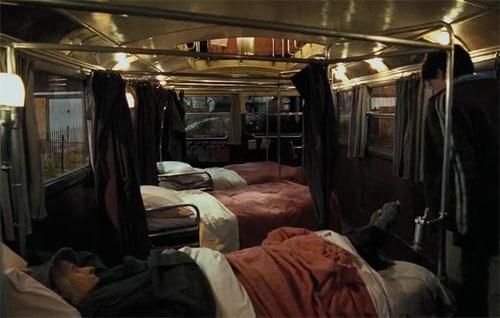 Автобус, оборудованный под гостиницу