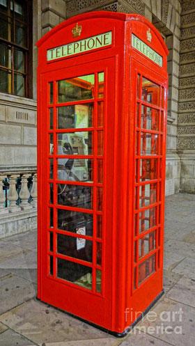 Английская красная телефонная будка как двигатель российского бизнеса
