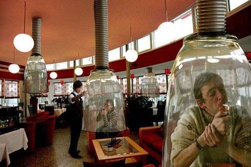 Курительные кабины в ресторане