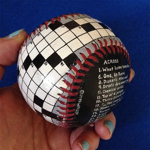 Раскрашенный бейсбольный мяч