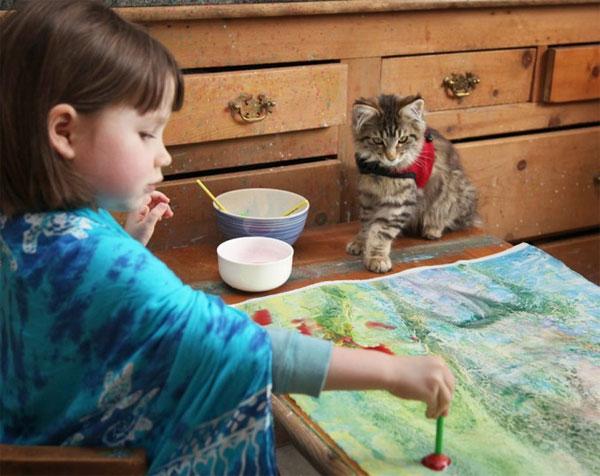 Как маленькая девочка зарабатывает на рисунках