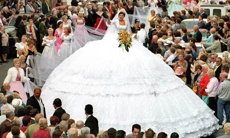 Для невесты на свадьбе главное - показать себя