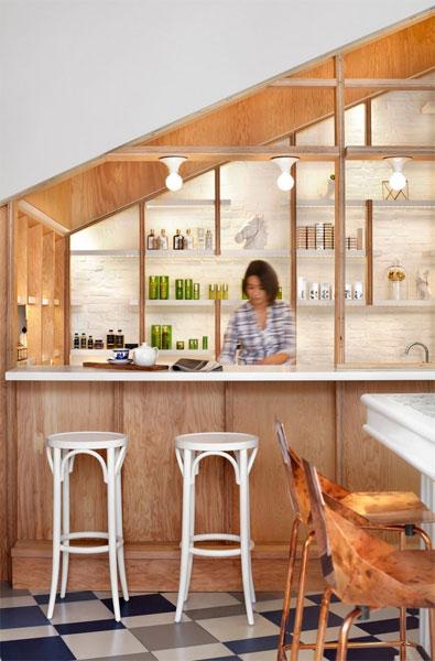Бутик в одном помещении с баром и кафе