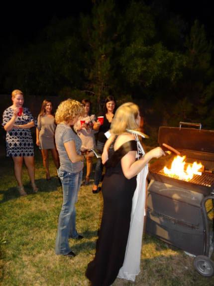 Свадебное платье после развода можно сжечь