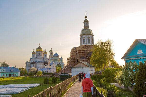 Бизнес всероссийского масштаба в русском селе Дивеево