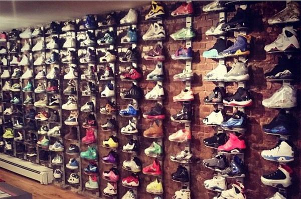 В ломбарде можно купить только дизайнерские кроссовки