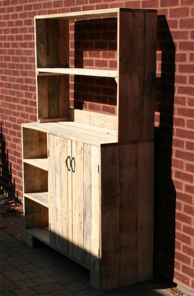 Кухонный шкафчик из поддонов