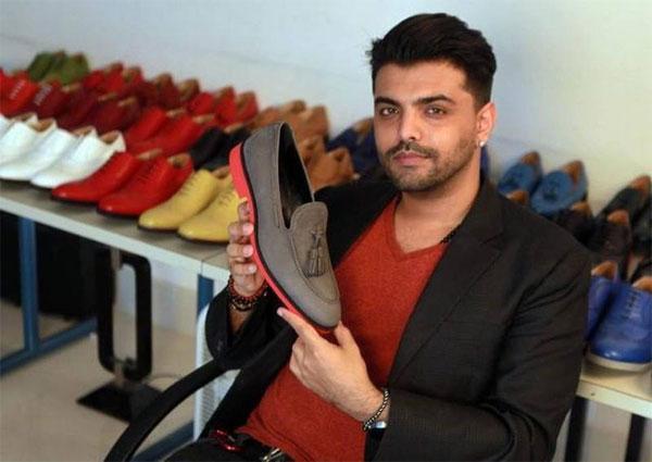 Создатель цветных мужских туфлей