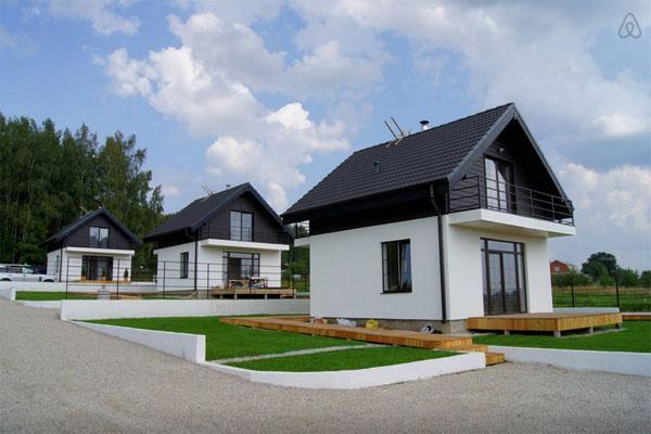 Европейские коттеджи в русской деревне