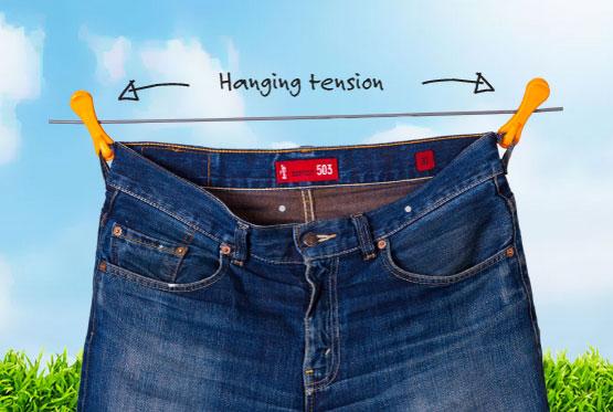 Можно вешать брюки на прищепки с крючками