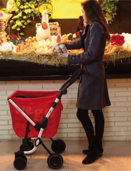 Симпатичная сумка на колесиках