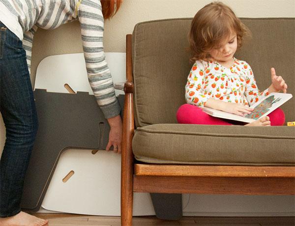 Такую мебельможно легко разобрать и сложить за диваном