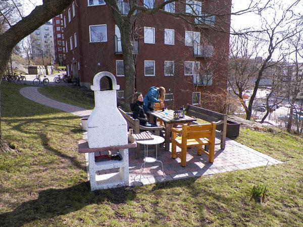 Шашлык во дворе в Швеции