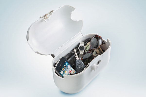 В сумку-сейф поместятся все нужные вещи