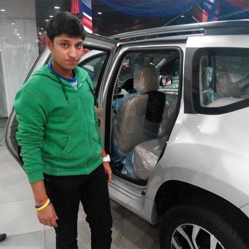 Индийский изобретатель сумки-мусоросборника для автомобиля