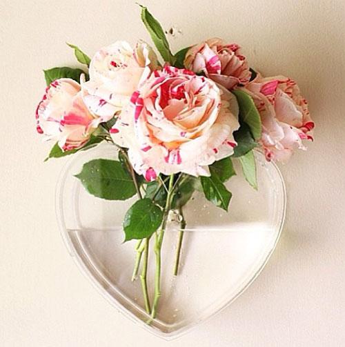 Настенная ваза в форме сердца