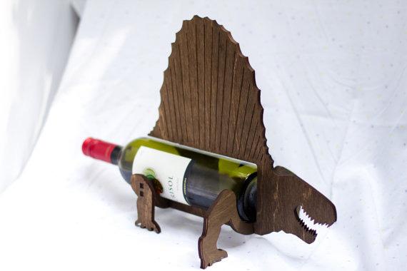 Подставка-динозавр под бутылку