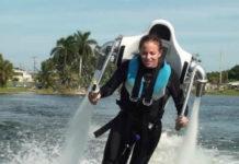Полеты над водой с летающим ранцем