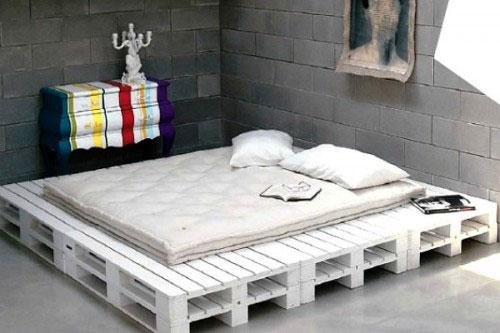 Двухспальная кровать из паллет