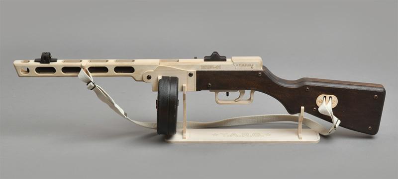 Деревянная сборная винтовка