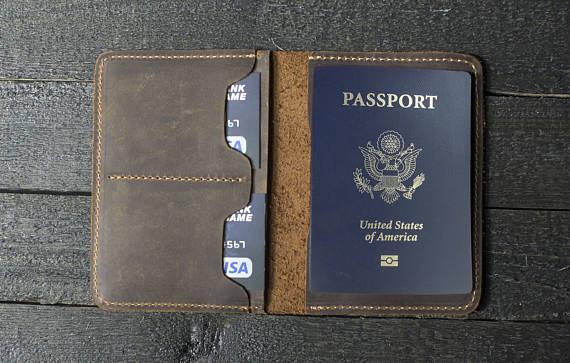 Кожаные обложки для паспортов
