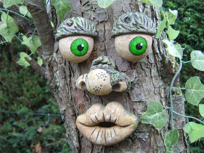 Лицо дерева негритянской национальности