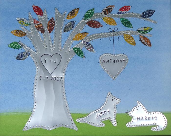 Алюминиевое дерево для семьи с одним ребенком и двумя животными