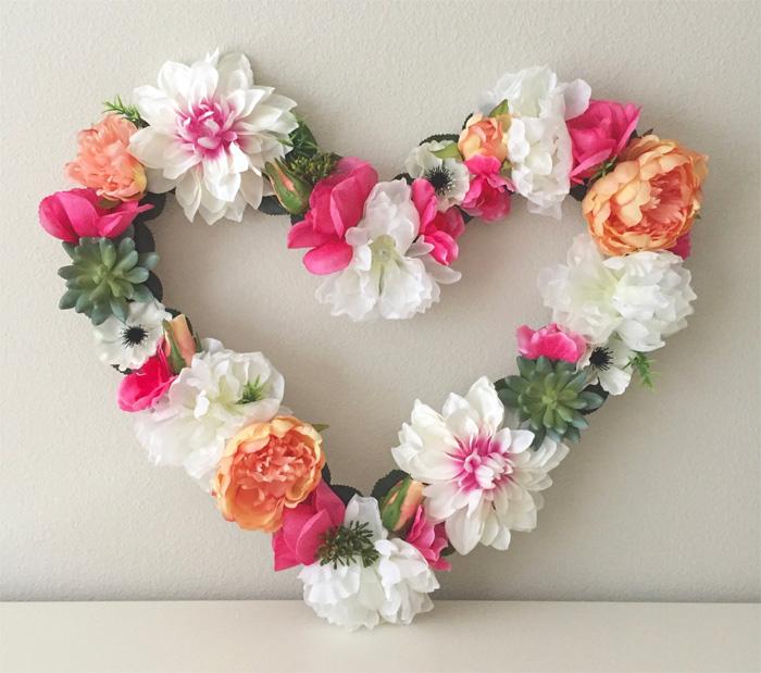 Оригинальное сердце из цветов