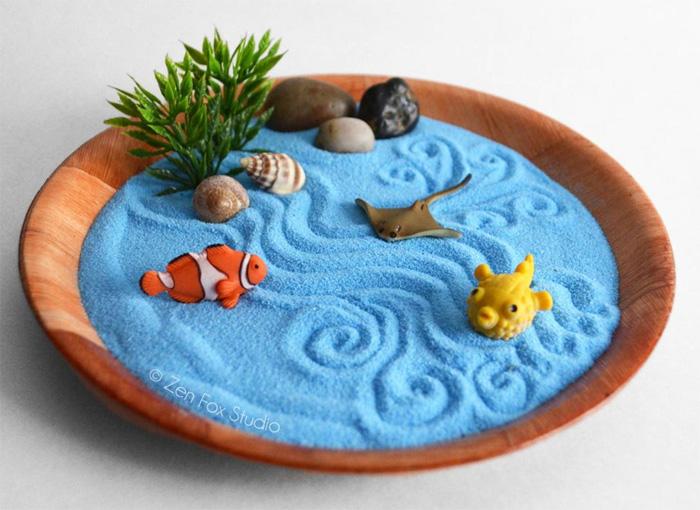 Мини сад камней с голубым песком