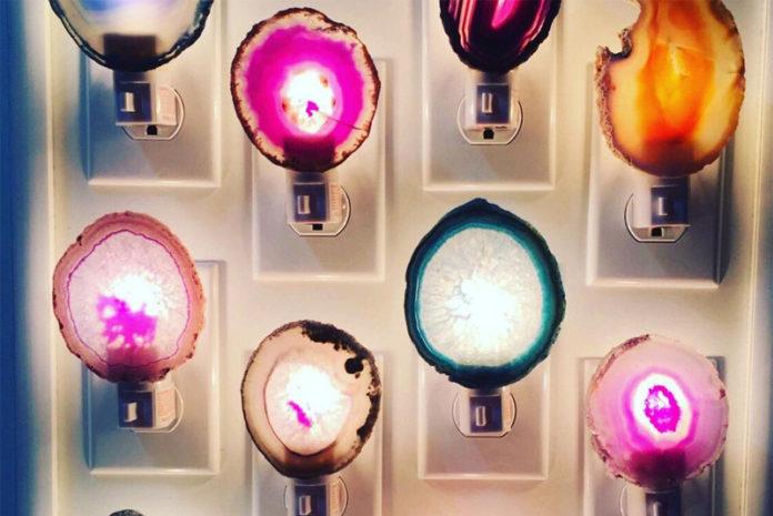 Светильники из агата