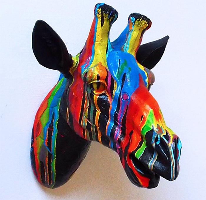 Раскрашенная голова жирафа