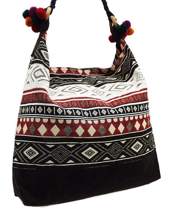 Тканевая сумка с помпонами