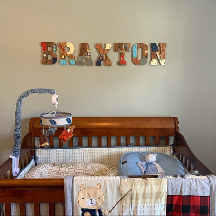 Декор из букв для детской комнаты