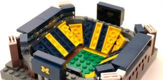 Мини-модели стадионов из Лего