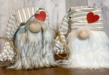Что продавать на Etsy ко Дню Святого Валентина - Гномы с сердечками