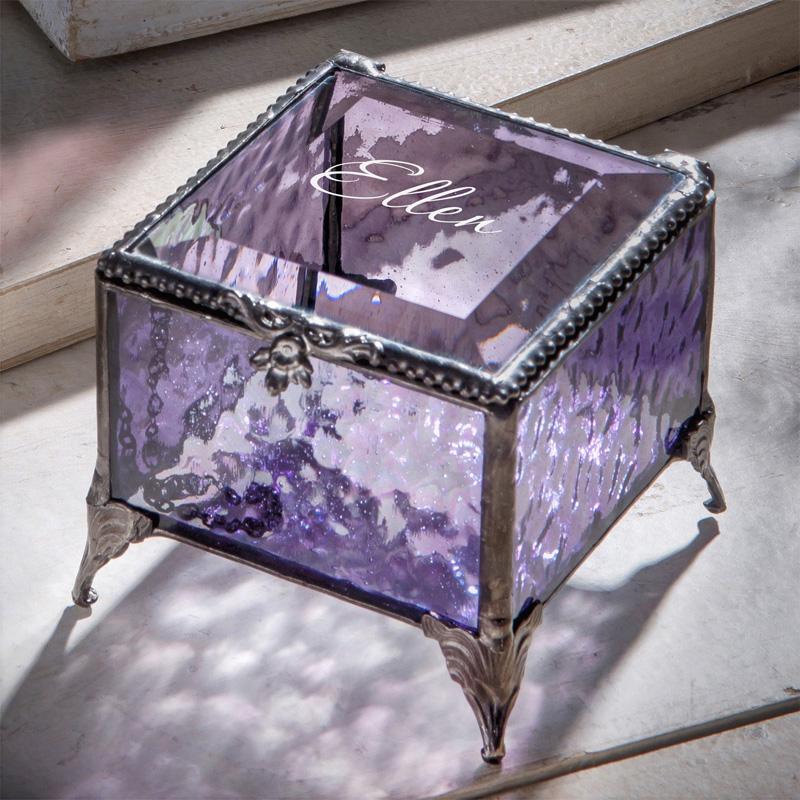 Шкатулка из витражного стекла