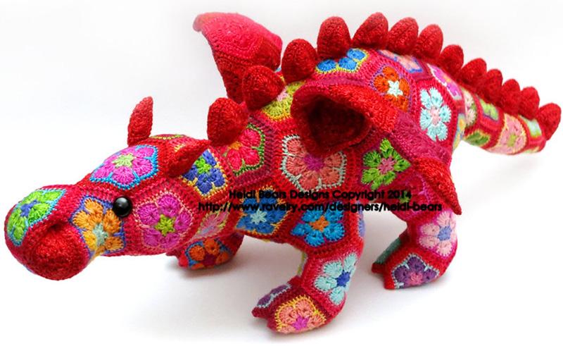 Красный дракон в цветочек