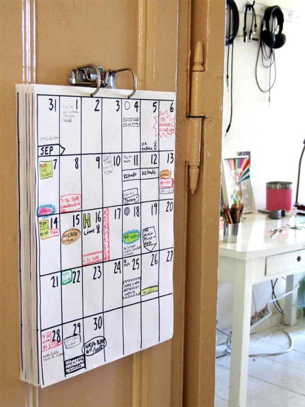Современный настенный календарь