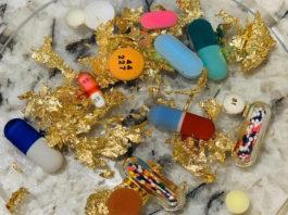 Подставки из эпоксидной смолы с таблетками