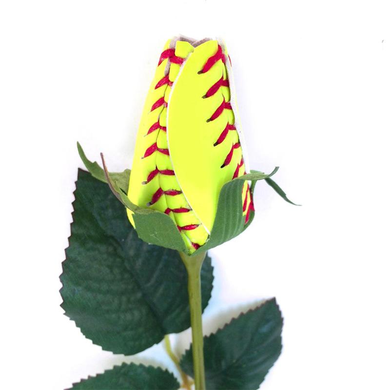 Роза из софтбольного мяча