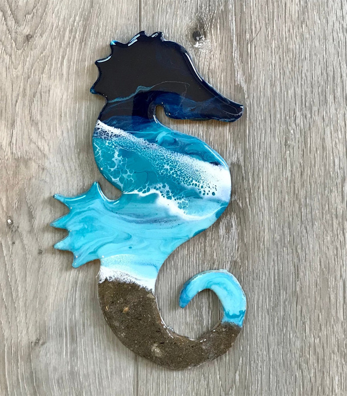Морской конек из эпоксидной смолы