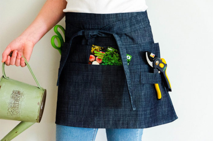 фартук для сада из джинсы