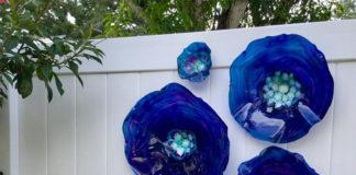 Дорогие настенные цветы из переработанного пластика